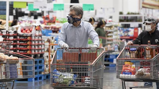 美国疫情故事:穷人撑不过3个月,富人财富仍在增长