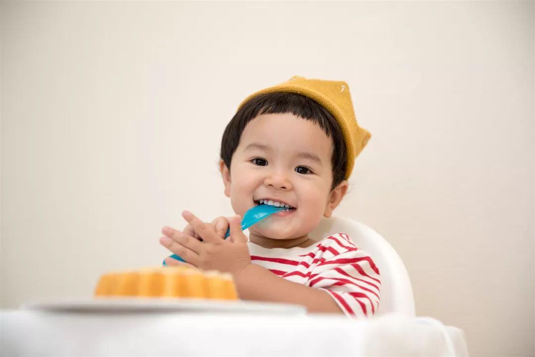 原创宝宝辅食多大才可以添加?家人反对,宝妈们应该怎样说服更有力?
