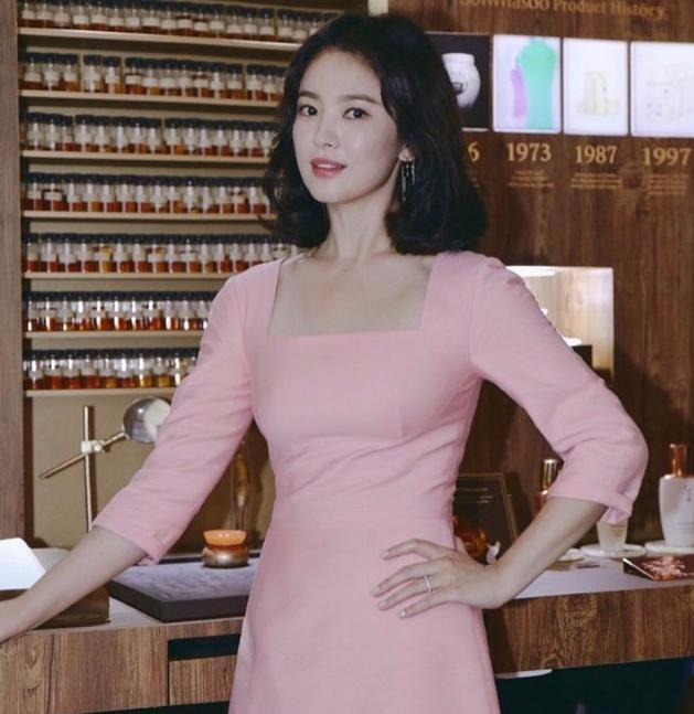 宋慧乔离婚后连自己的风格都找不准了?有多想不开每次都化大浓妆
