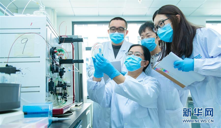 团结起来!我们万众一心!——中国抗疫人民力量的生动实践