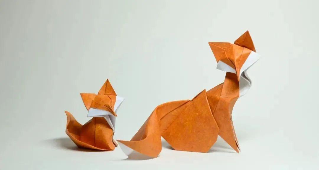 看别人手里折纸 秒变 艺术图片