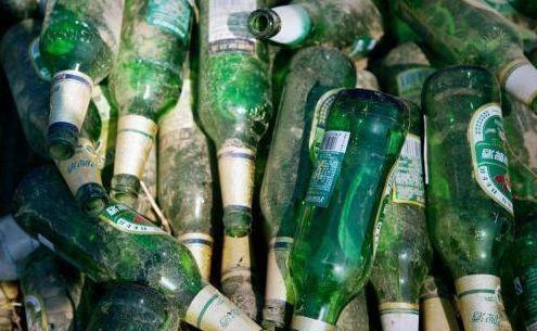 为什么旧啤酒瓶子在九几年就可以卖到5毛钱?现在却不值钱了?