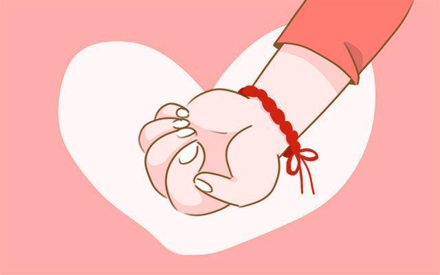 在这里要提醒各位家长,不能随便的给宝宝剪指甲,如果操作不当,很容易伤着宝宝的手指.
