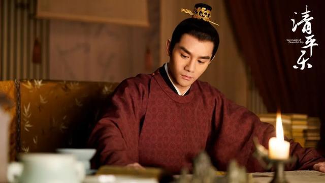 《清平乐》后宫为什么斗不起来?不是皇后太圣母,而是皇帝太上帝