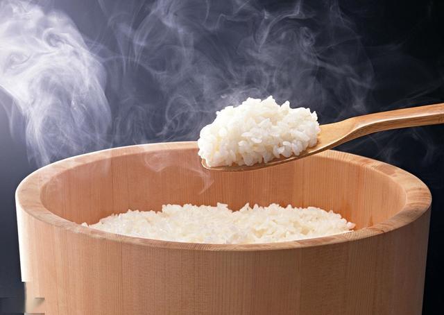 辟谣:米饭里有抗肠癌物质,放凉后吃米饭有益减肥和预防肠癌?