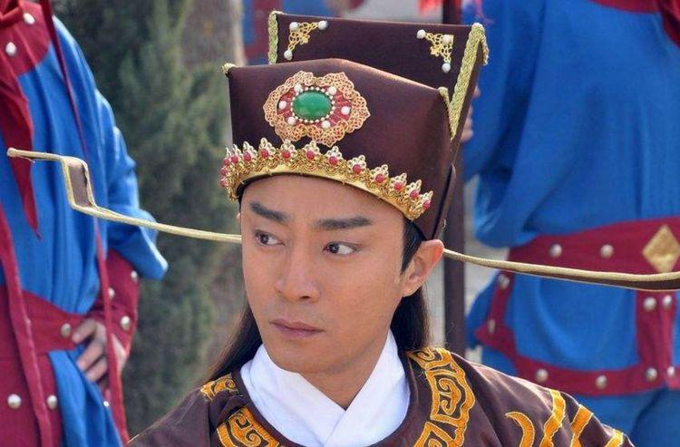 在宋朝时期,官帽上为啥有两根长翅?设计者真是有才