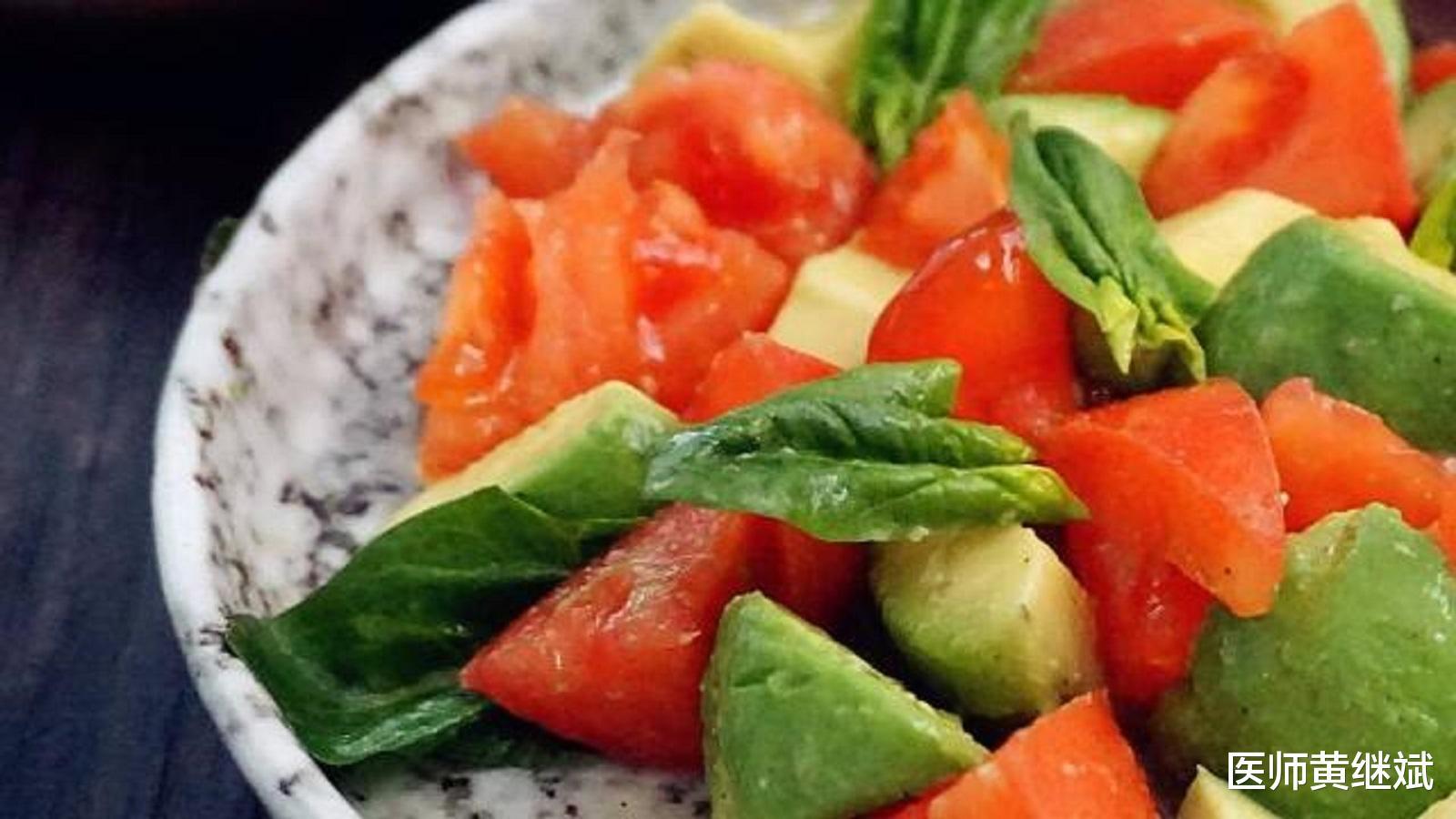 原创夏季容易使人上火,如果嘴唇起泡了,吃什么水果比较好?