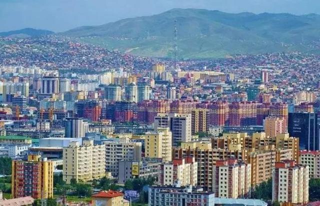香港的人口和面积_西部唯一的超大城市,人口突破3000万,面积约等于74个香港