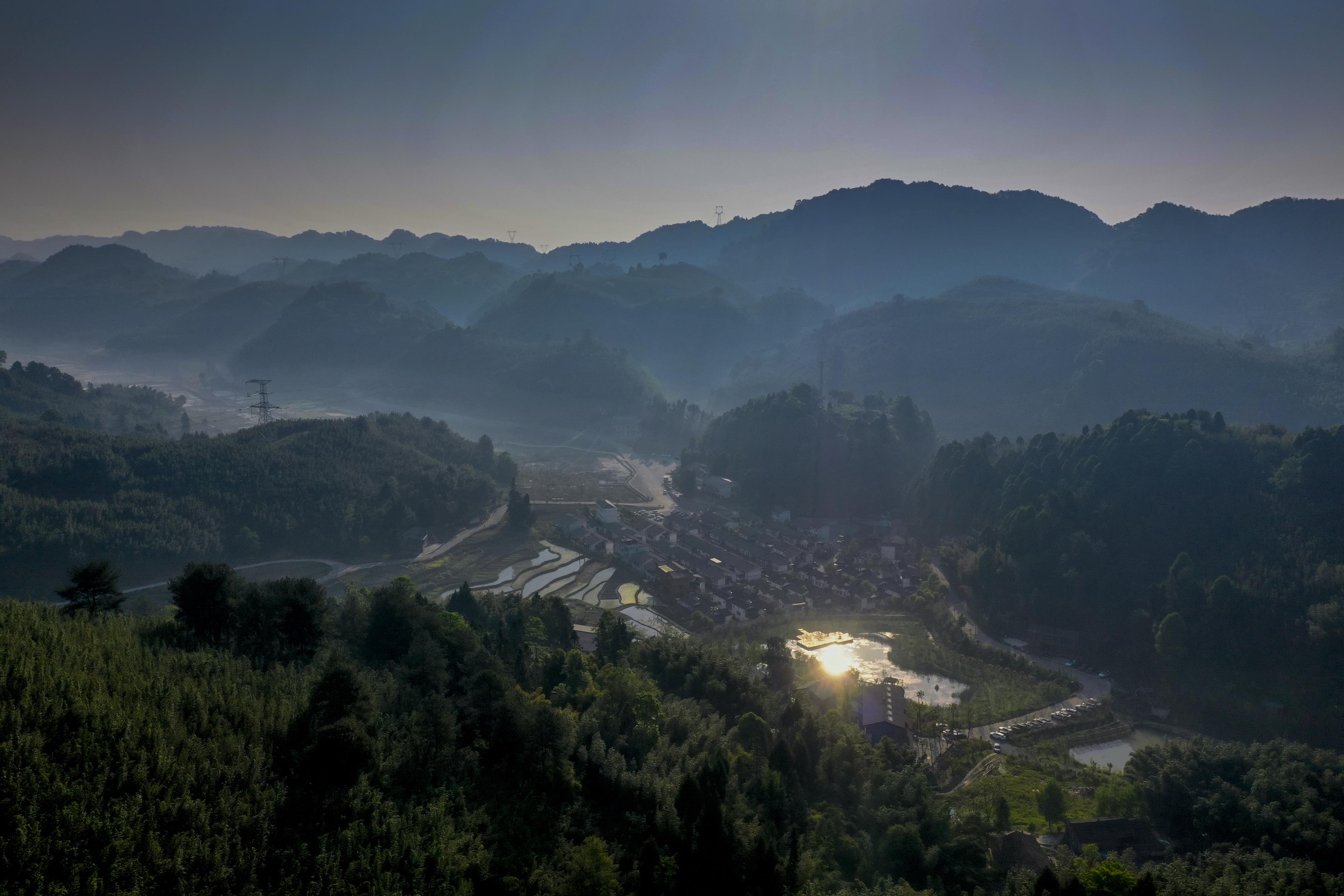 俗称百里槽又叫寿竹之乡的梁平县百里竹海,航拍风景... _网易视频