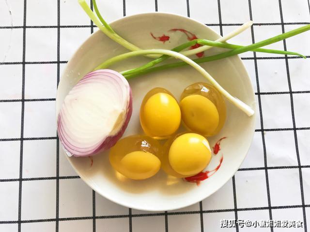 变蛋的原理_河南全自动松花蛋包泥机,新乡皮蛋价格 河南全自动松花蛋包泥机,新乡皮蛋型号规格