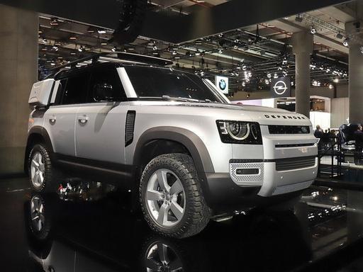 霸气回归!硬派SUV全新路虎卫士,将于7月上市