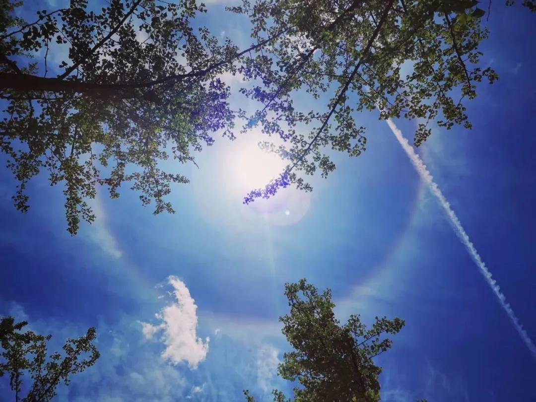 威宁上空惊现绝美日晕现象,一大波美图瞬间刷爆朋友圈