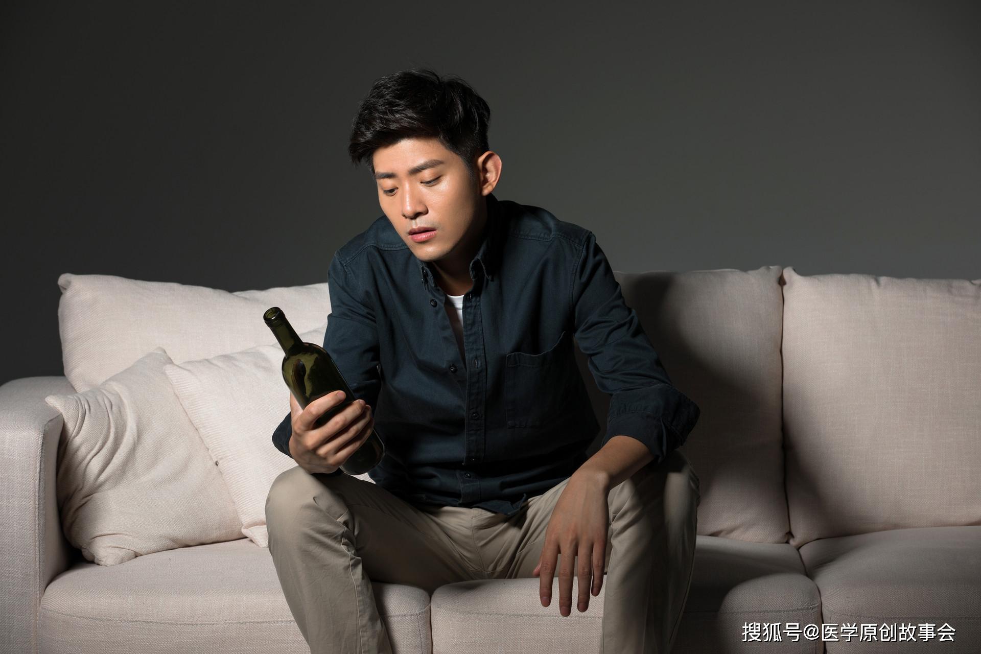 原创喝酒,到底是养生还是伤身?世界权威医学证实,滴酒不沾更易长寿