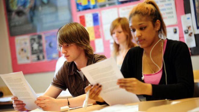 英国大学转上网课,学生仍需支付学年全额学费!