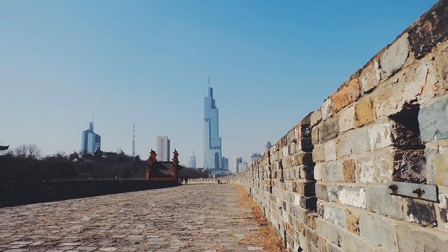 吴都苏州的2020年一季度GDP出炉,在江苏省内排名第几?