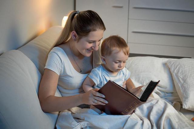 婴幼儿睡觉3个不良习惯,会影响孩子的身高,父母别不放在心上