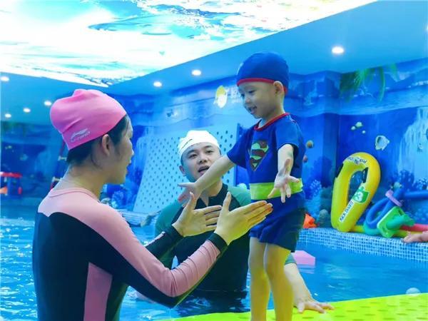 亲子游泳,不只是育儿投资新风尚这么简单!