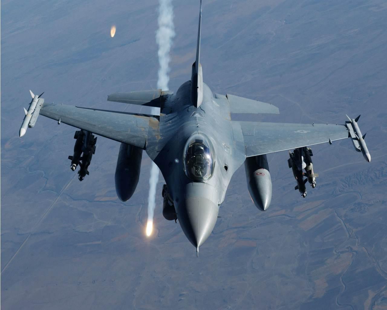 "F16战斗机+AIM120导弹,这样的""王炸""组合,难怪土耳其那么豪横"