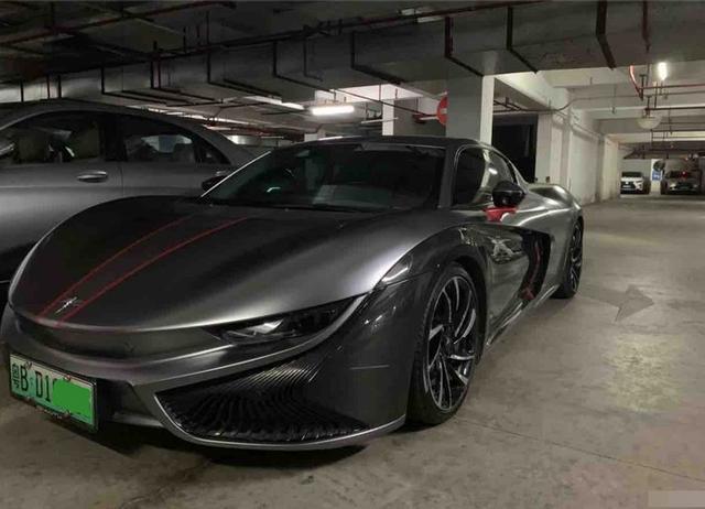 深圳小哥花了76万买了未来的K50,绿色广东B牌照,亲戚朋友见了车还要看内饰