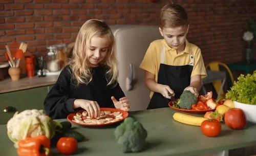 """""""妈,快给工资吧!""""孩子做家务,到底需不需要奖励?"""