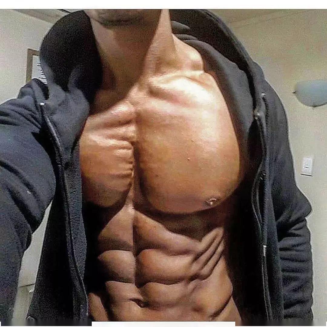 想让胸肌有沟,这几个动作必须练好!