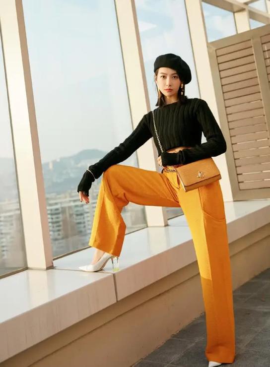 原创追《创造营2020》被宋茜实力圈粉,颜值冻龄似18岁,穿衣更时髦