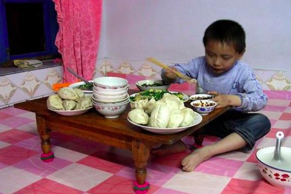 """初夏时期,3种食物吃了阻碍""""长高"""",聪明的家长绝不会给娃乱吃"""
