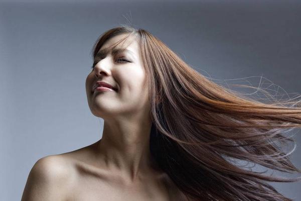 洗头掉头发怎么办 20岁掉头发很厉害