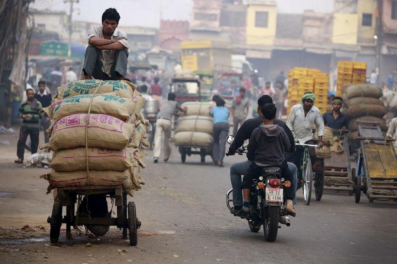 印度历年gdp_野村证券:预计印度2021年GDP增长率为-5.2%