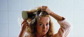 """""""烫发""""和""""染发""""真的会引起""""脱发""""吗?理发店老板说了真话"""