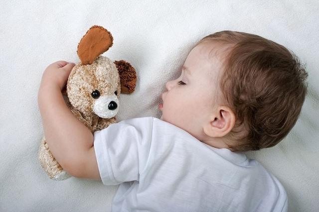 孩子睡眠直接影响到生长发育,养成良好睡眠习惯,须做到以下5点