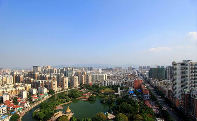 海上花园厦门的2020年一季度GDP出炉,在福建省内排名第几?