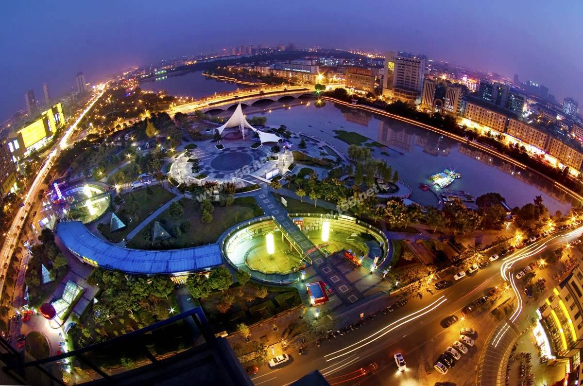 扬州人均gdp_GDP跟人均的GDP大比拼,50强的城市,又哪些是被高估的,哪些是被低估的