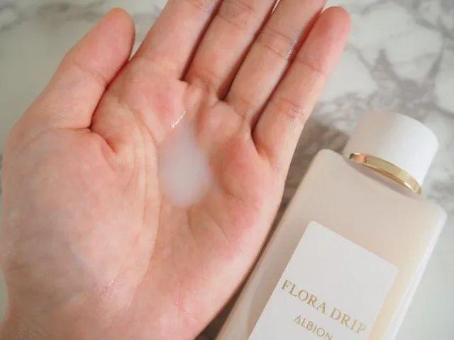 爽肤水or精华水?平平无奇的化妆水到底是个什么东西