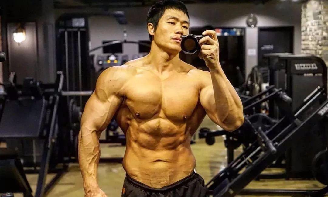 他是韩国最牛肌肉警察,却被女儿俘虏了!
