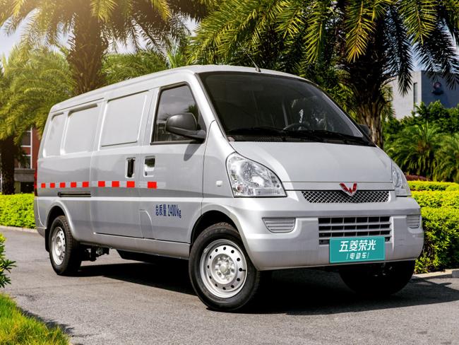 五菱荣耀EV上市8.38万,电池寿命短还贵