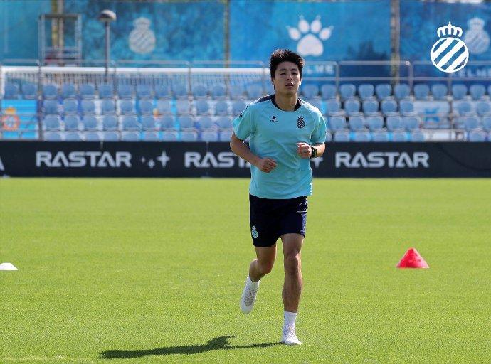 喜讯!武磊正式恢复训练 球迷笑称:记得理