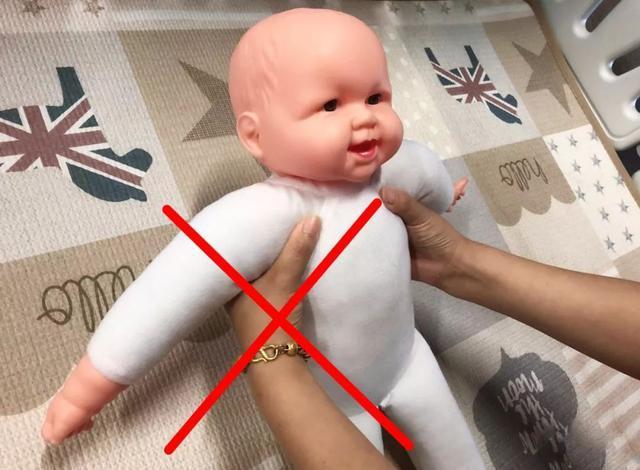 """不想让孩子将来""""驼背"""",这四个脊椎发育关键时期,父母要把握住"""