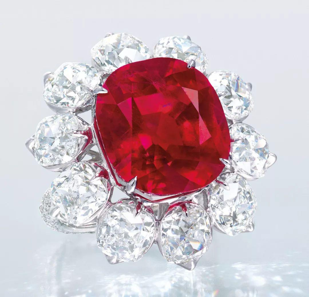 在中缅边境揭秘珠宝市场的黑马缅甸琥珀,从原料到成品的华丽变身