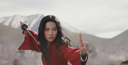 花木兰试镜片段曝光,窦靖童杨采钰蓝盈莹参加了,自信不输刘亦菲