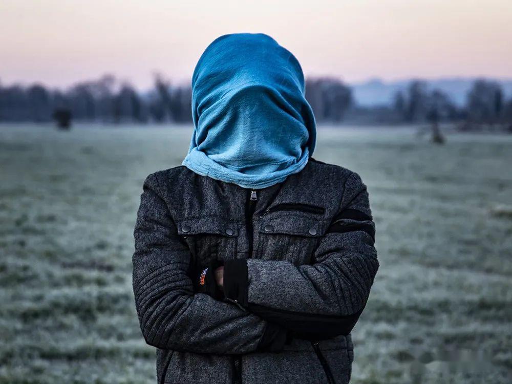 原创意大利摄影师保罗·乔梅利:《迷惘》