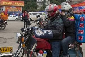 偷偷撸偷拍图区_春运刚开始,广东一组偷拍照看哭朋友圈:可以别放弃我吗?