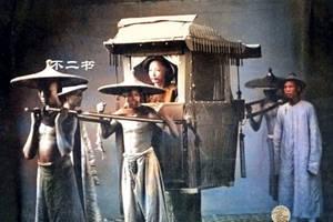 """032709d6dbe0 英国摄影师拍摄松鼠推""""购物车""""趣味瞬间_克雷格·杜根"""
