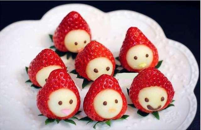 这款草莓宝宝非常适合装饰草莓蛋糕哦!
