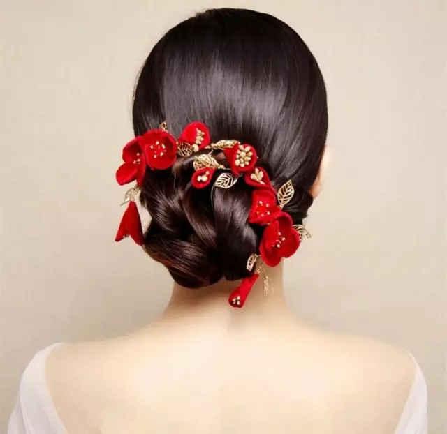 瓜子臉,小圓臉 適合配飾:花朵,珠鏈,短面紗 適合婚紗禮服:魚尾紗,秀禾圖片