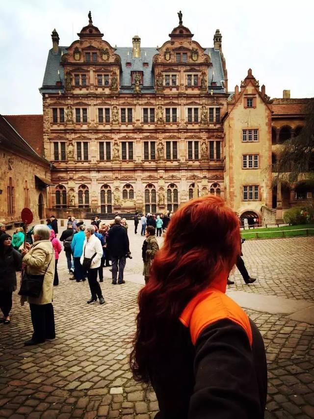 白莉灵子在欧洲为母亲拍摄的照片 白莉灵子说: