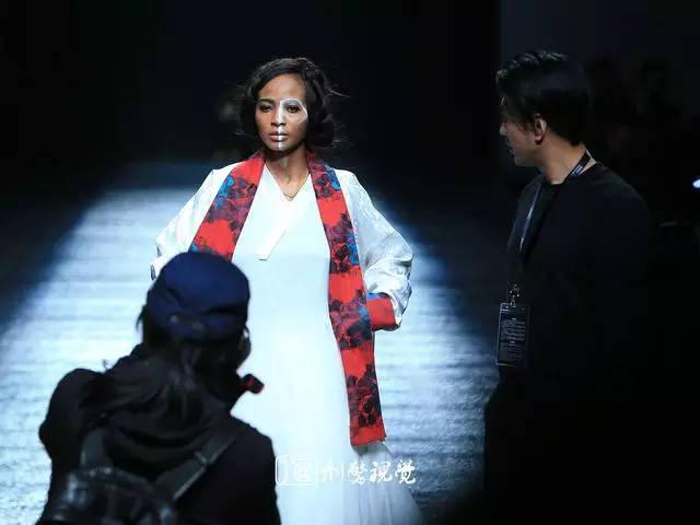 中国时尚界著名导演张华先生执导国际时装周花絮