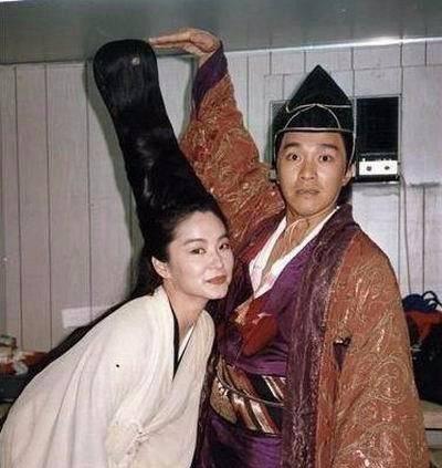 我的老婆是东方不败_这是林青霞的真东方不败成了周星驰这个假东方不败的老婆啊!