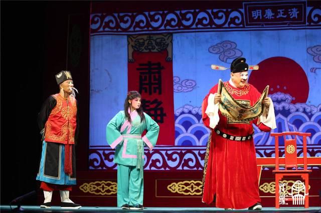 可以说,《唐知县斩诰命》再塑了七品芝麻官唐成的艺术形象,让大家在