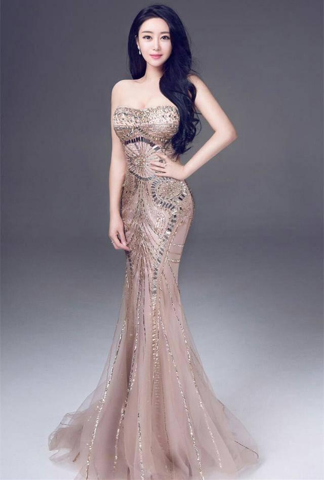 奚温柔在当时赢得了不少观众的喜爱,她自己也十分努力,拍了很多广告